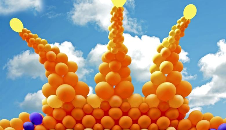 Königstag_in_Holland_KroneAusLuftballons