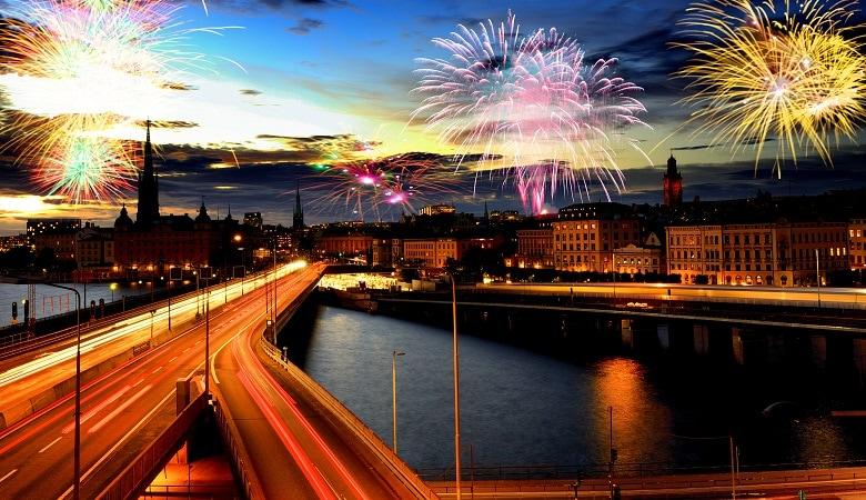 feuerwerk zu silvester in schweden