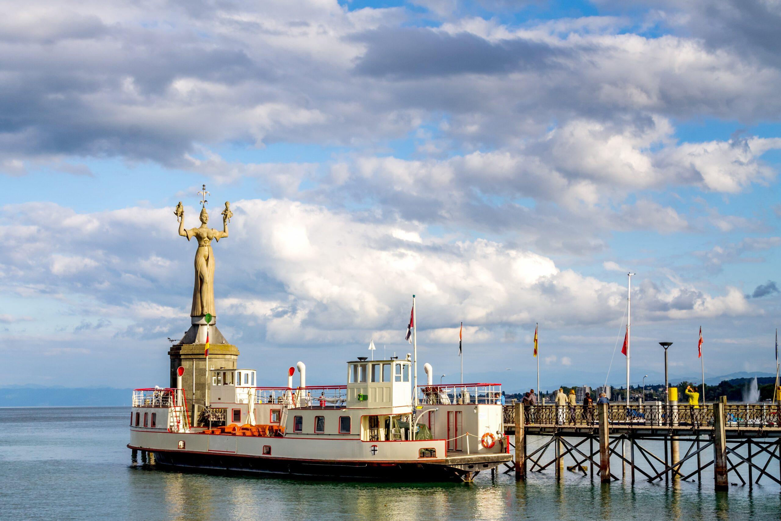 Blick auf Imperia Statue, Konstanz, Bodensee